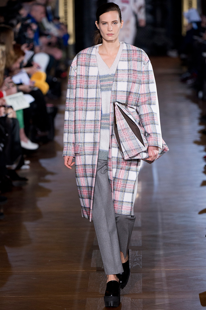 stella-mccartney-rtw-fw2013-runway-25_071344661109