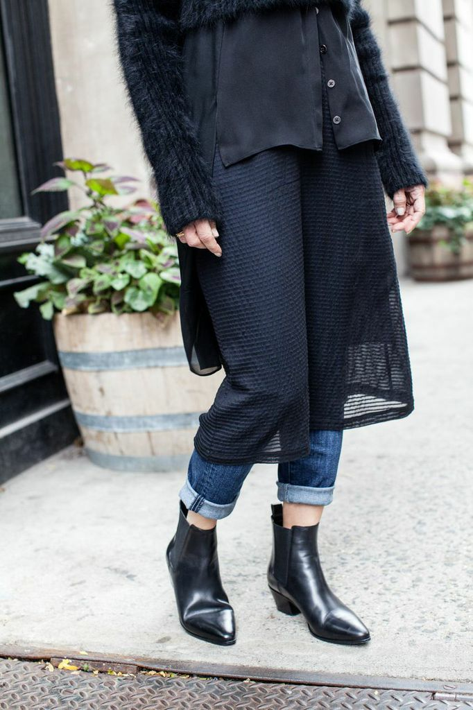 how to style an all-black look